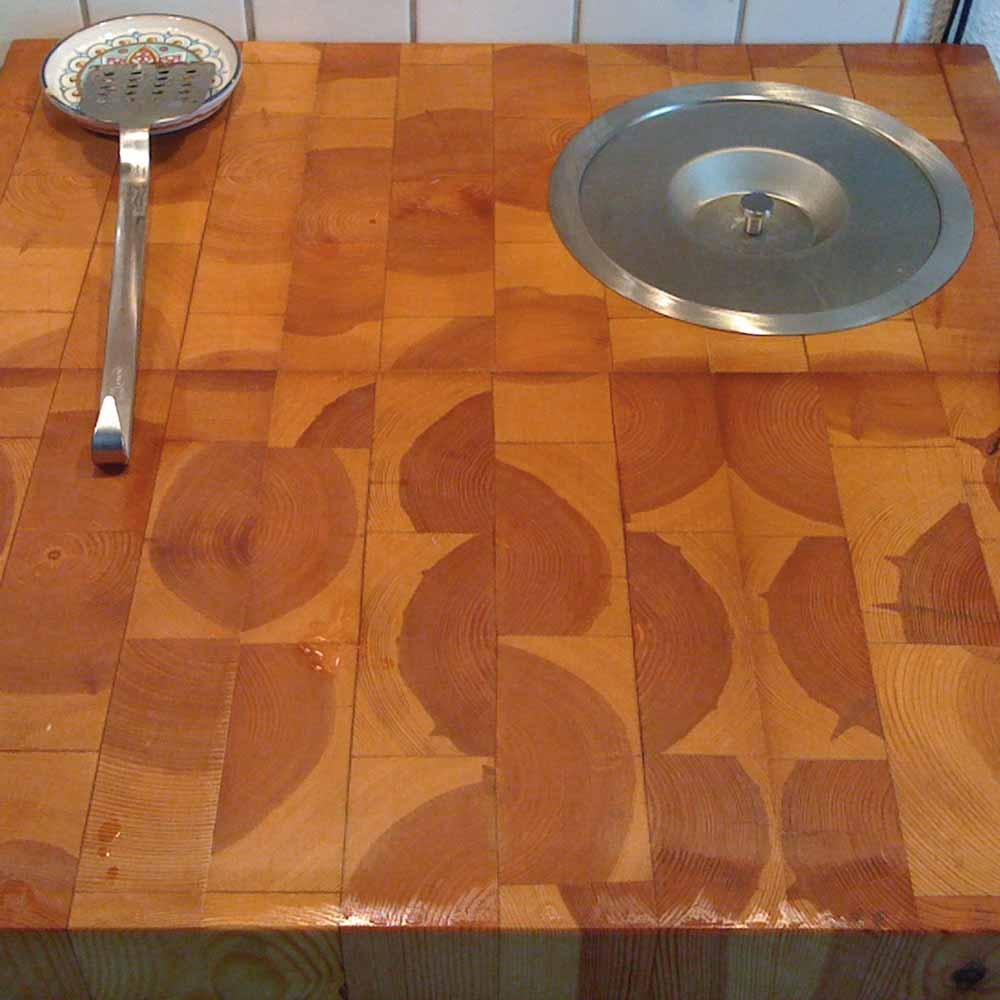 Made with my own hands - End-grain butcher block freshly oiled
