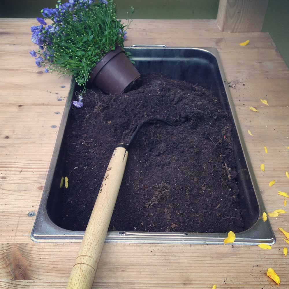 Made with my own hands - Potting table with integrated soil container